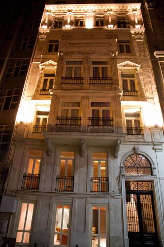 Klik hier om meer foto's van Hotel Au Pera te bekijken