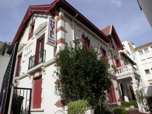 Klik hier om meer foto's van Hôtel Magenta te bekijken