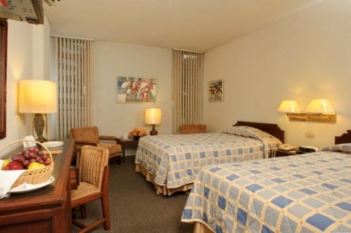 Klik hier om meer foto's van Hotel Continental te bekijken
