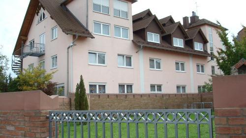 Klik hier om meer foto's van Hotel zur Eisenbahn te bekijken